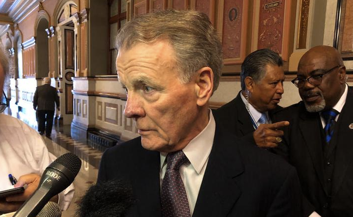 Illinois House Speaker Mike Madigan (D-Chicago) takes questions from reporters in Springfield