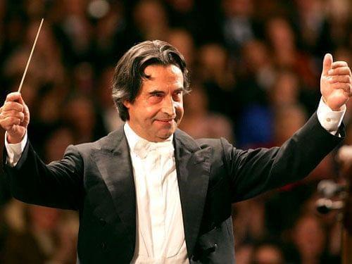 Riccardo Muti conducting