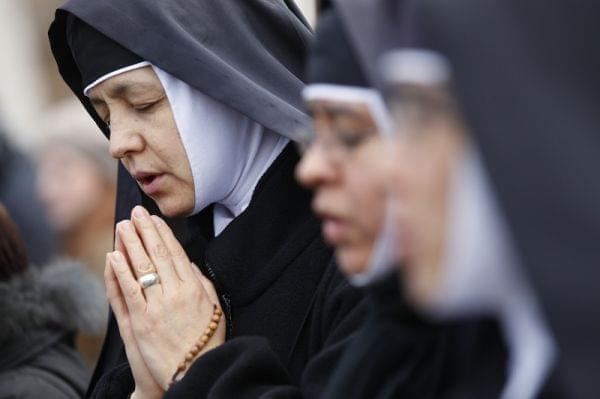 Nuns during pope's last noon prayer