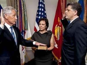 Chuck Hagel being sworn into office