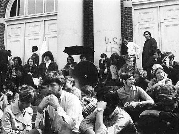 U of I students on steps of the Auditorium, May 1970