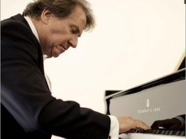 Rudolf Buchbinder at the piano