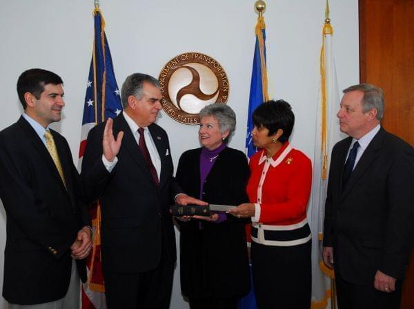 Ray LaHood being sworn in as Transportation Secretary January 23, 2009