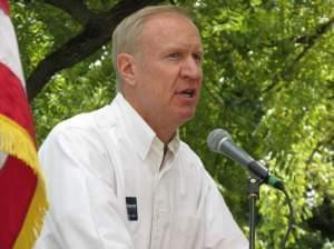 Businessman Bruce Rauner tried to brand himself as political outsider in a speech to Republicans at the Illinois State Fair on Thursday, as he vies for the GOP nomination for governor.