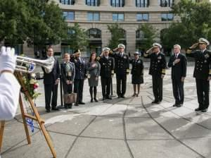 Navy Memorial to shooting victims
