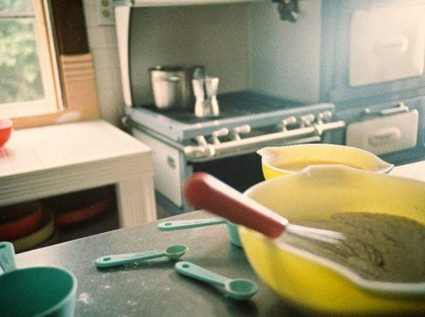 Bowls and other utensils on a kitchen counter