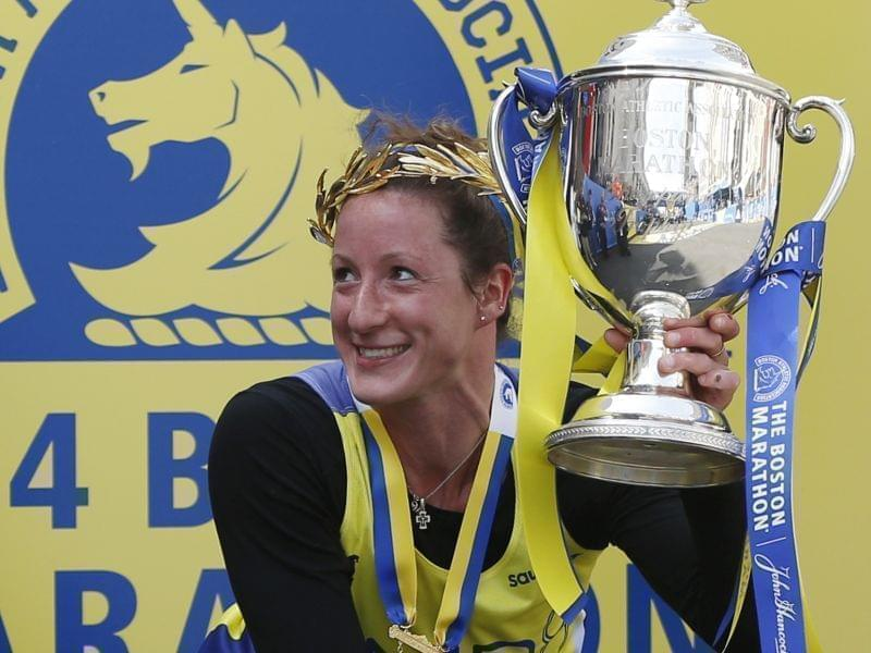 Tatyana McFaddden wins trophy again in Boston Marathon