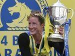 Tatyana McFaddden wins trophy again in Boston Marathon