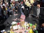 Floral arrangement in memory of Robin Williams along Hollywood Walk of Fame