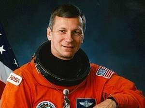 Astronaut and  University of Illinois graduate Steven Nagel, who died Thursday.