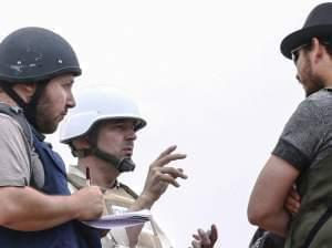 Sotloff talks to Libyan rebels in Libya on June 2, 2011.