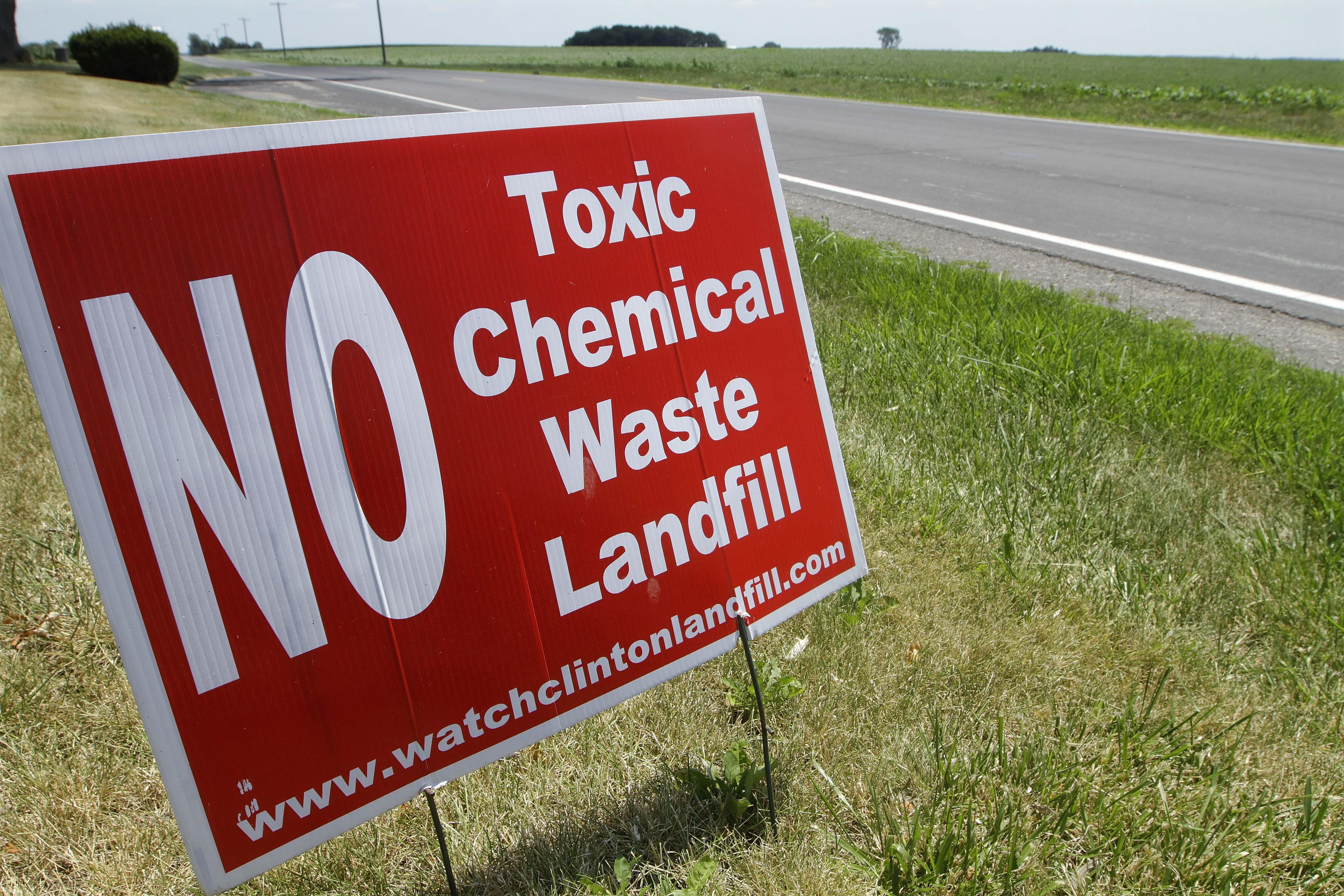 Sign opposing the placing of PCB waste in the Clinton Landfill over the Mahomet Aquifer