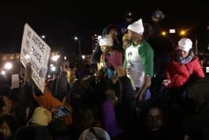 Lesley McSpadden, the mother of Michael Brown reacts to the grand jury decision.