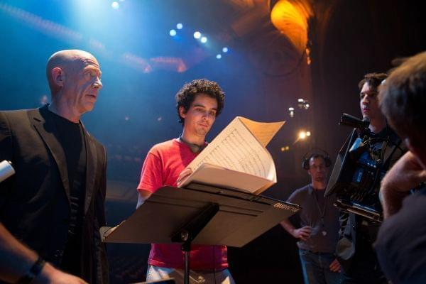 Director Damien Chazelle discusses a concert scene with actors J.K. Simmons (Fletcher) and Miles Teller (Andrew).