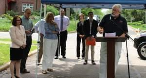 UC2B's Mike Smeltzer speaks at a ribbon-cutting ceremony in Urbana to launch ITV-3's high-speed broadband service in Champaign-Urbana.