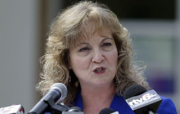Indiana Superintendent of Public Instruction Glenda Ritz announces in Indianapolis Thursday that she will run in the Democratic primary for Indiana Governor.