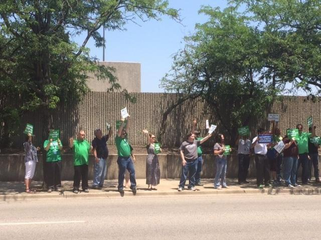 AFSCME union members rally in Springfield.