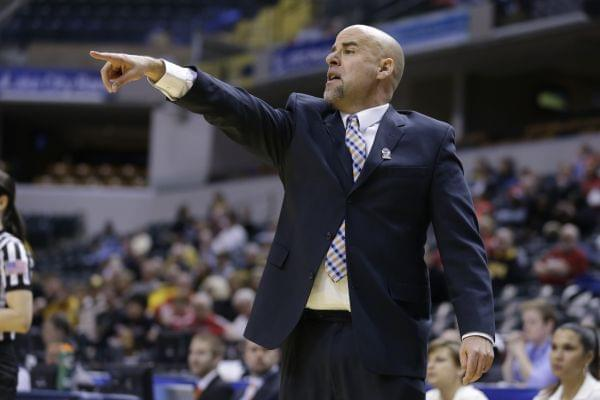 Illinois head coach Matt Bollant in the first half of a game gainst Iowa in the opening round of the Big Ten Tournament in Indianapolis, Ind., Thursday, March 6, 2014.