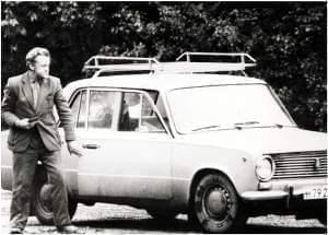 Adolf Tolkachev leaving his car at a roadblock on June 9, 1985.