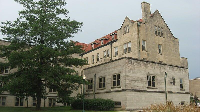 Pemberton Hall, Eastern Illinois University