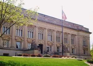 The outside of the building housing the Illinois Supreme Court