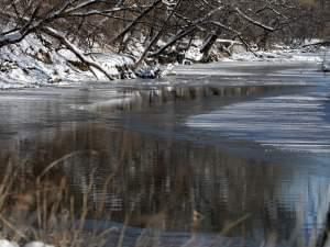 Half-frozen section of the Salt Fork of the Vermilion River