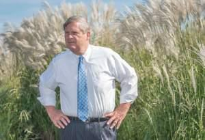 U.S. Secretary of Agriculture Tom Vilsack visits a University of Illinois-owned farm in Urbana on Thursday.