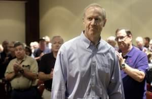 Illinois Gov. Bruce Rauner is applauded before while speaking to members of the Illinois Emergency Management Agency Friday, Sept. 11, 2015 in Springfield.
