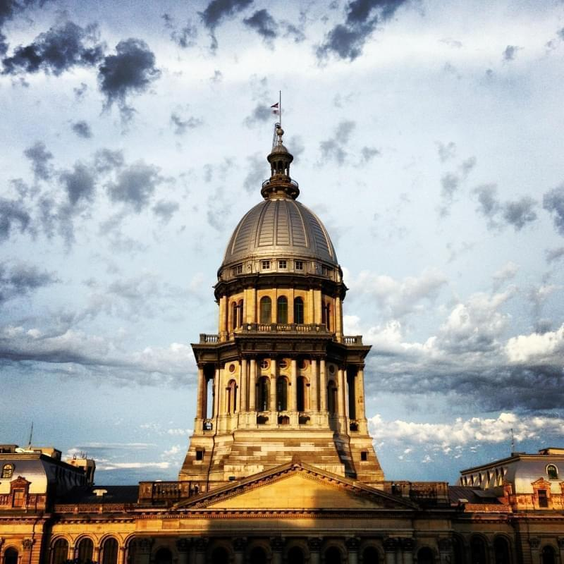 Illinois capitol building at sunset