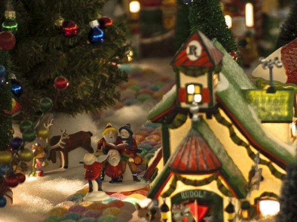 holiday village decorations