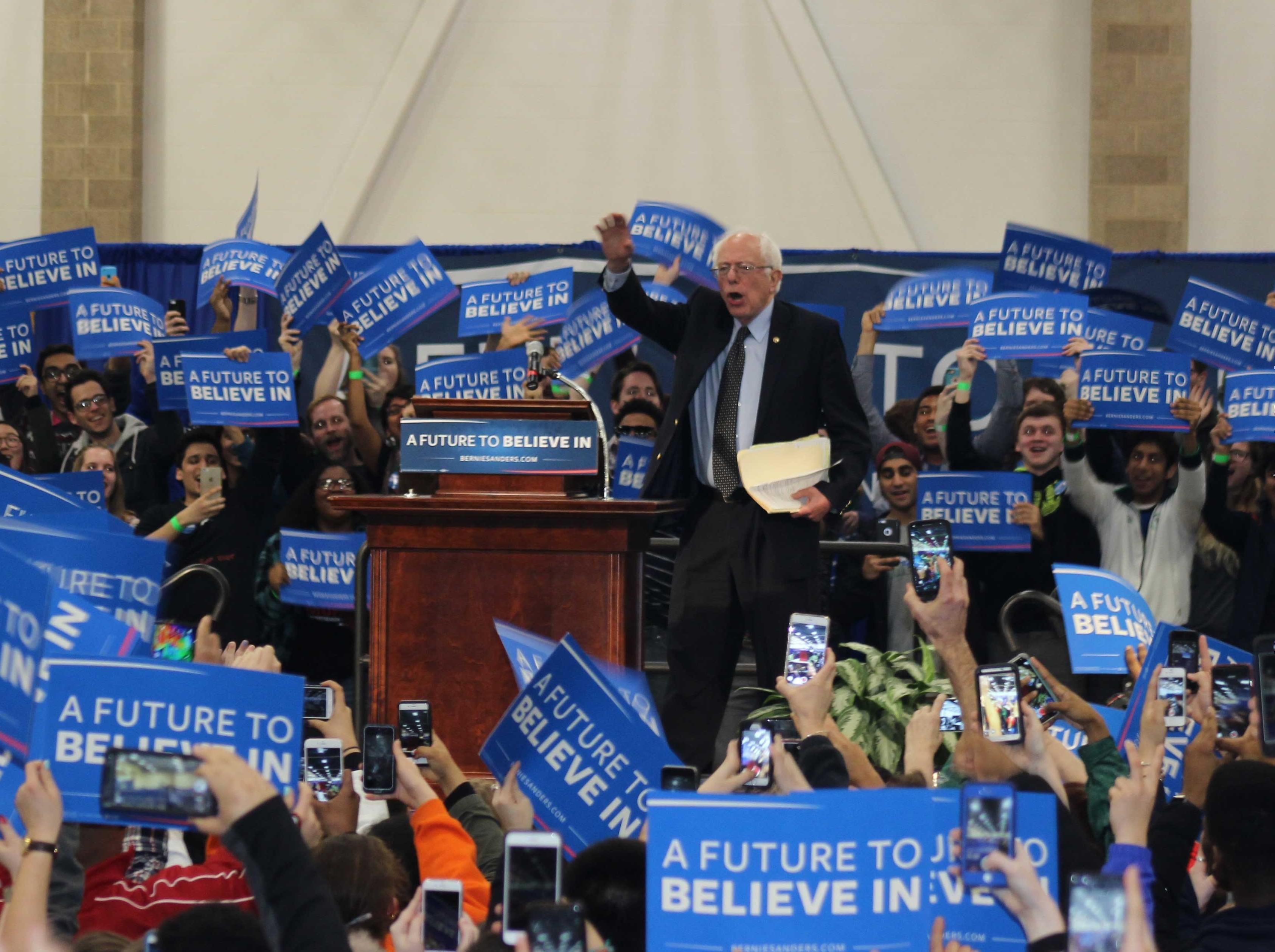 Bernie Sanders in front of  nearly 4,000 supporters at the U of I's Activities and Recreation Center