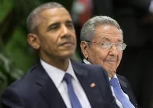 U.S. President Barack Obama, left, attends a State Dinner hosted by Cuban President Raul Castro, right, at the Palace of the Revolution, Monday, March 21, 2016, in Havana, Cuba.