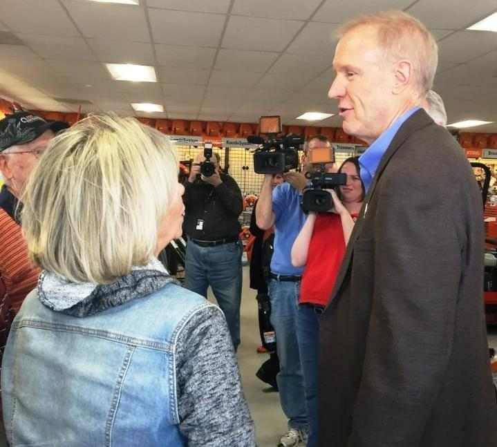 Governor Rauner greets supporters at Nord's Outdoor Power in Bloomington