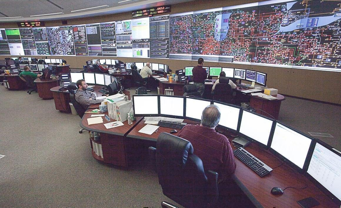 Control room where MISO monitors much of its Midwest power grid.