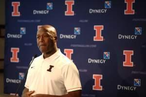 Lovie Smith at the podium.
