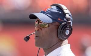 Illinois head coach Lovie Smith watches during a 2016 win over Murray State at Memorial Stadium