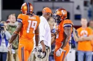 Illini head coach Lovie Smith admonishes Ke'Shawn Vaughn after the latter's personal foul.
