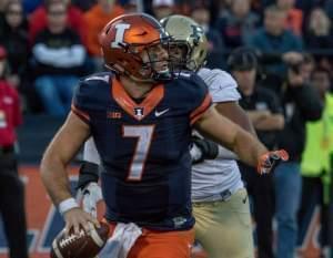 Illini quarterback Chayce Crouch.