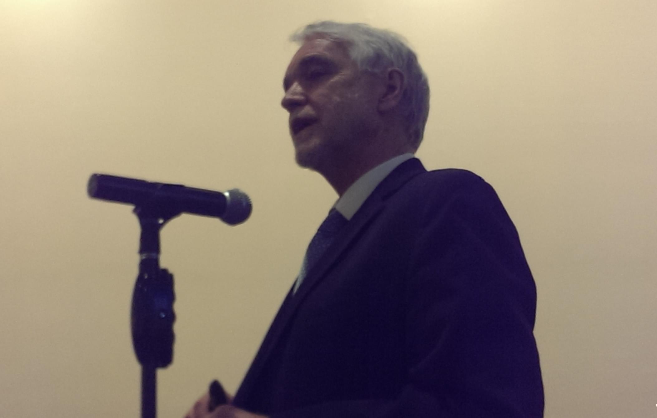 U of I President Tim Killeen speaks at Monday's Urbana campus Academic Senate meeting at the Illini Union.