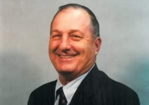 H. Lee Holsapple, sheriff of Macon County, Illinois from 1986 to 1998.