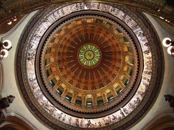The Illinois State Capitol rotunda.