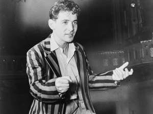 Bernstein conducting the New York City Symphony (1945)