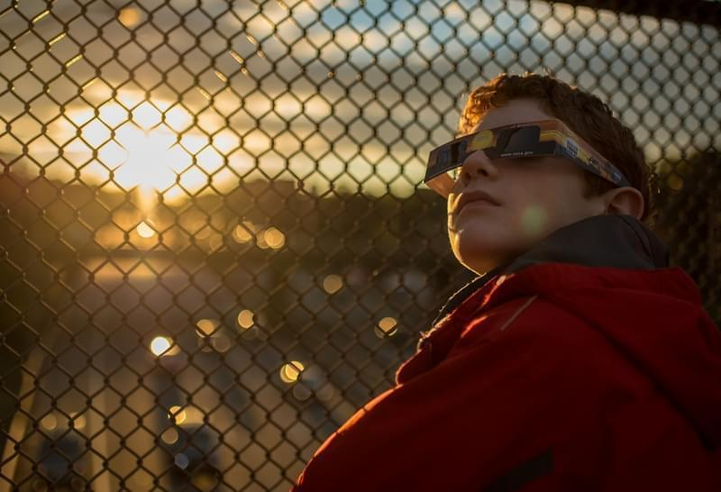 total solar eclipse viewing glasses