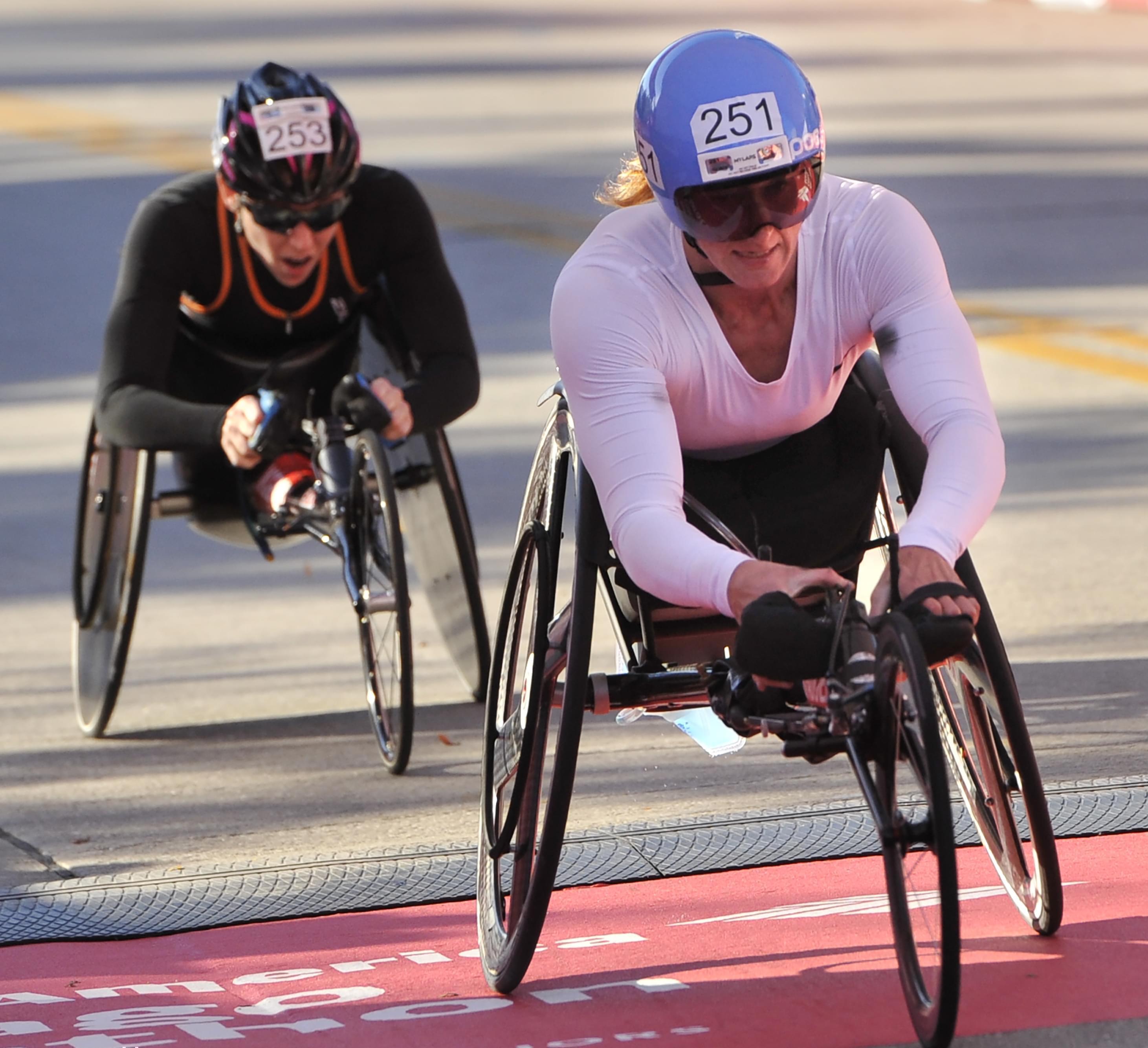 Tatyana McFadden winning the women's wheelchair division of the Chicago Marathon.