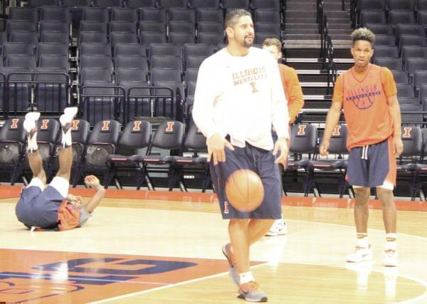 Illini men's basketball assistant coach Orlando Antigua at practice on Thursday.