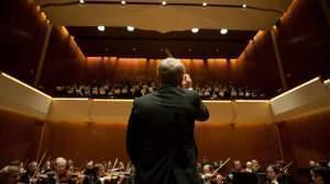 "Ian Hobson conducts Sinfonia Da Camera in a 2012 performance of ""Elijah"" at Krannert Center for the Performing Arts."