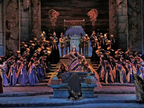 The Metropolitan Opera performs Semiramide