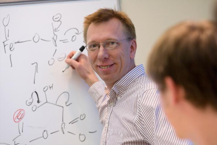 University of Illinois chemistry professor Wilfred van der Donk and his colleagues developed a new method for generating large libraries of unique cyclic compounds.