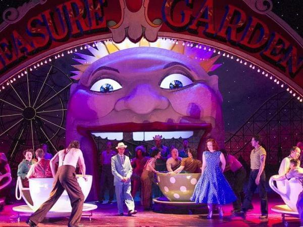 The Metropolitan Opera performs Così fan tutte.