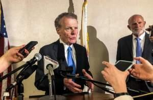 House Speaker Michael Madigan is re-elected as the chairman of the Illinois Democratic Party. This is his 6th term since 1998.